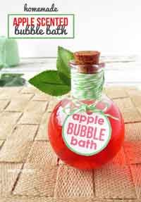 Apple Scented Homemade Bubble Bath