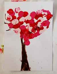 Pretty Valentine Trees Kids Craft