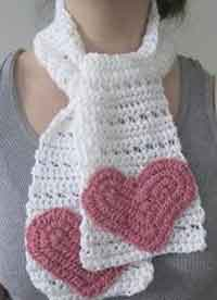 Short and Simple Heart Scarf
