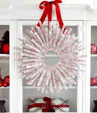 DIY Wrapping Paper Wreath